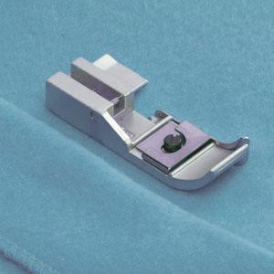 Лапка для выполнения подшивочной строчки